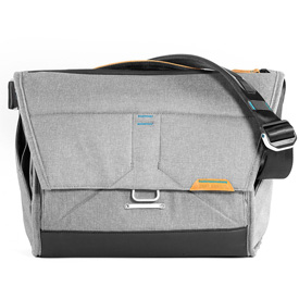 Bolsa The Everyday MESSENGER 13 de Peak Design (Ceniza)